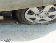 كيف تتصرف إذا انفجر أحد إطارات السيارة أثناء القيادة